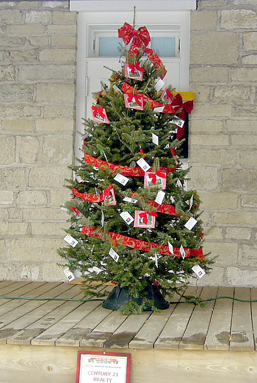 businesses organizations and individuals are invited to consider sponsoring and decorating a christmas tree as part of christmas at the fort this holiday - Christmas Decorations For Businesses
